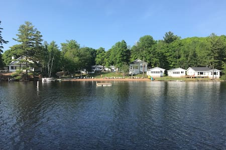 Beautiful,Brand New Cabin, sleeps 10, Lake, Beach