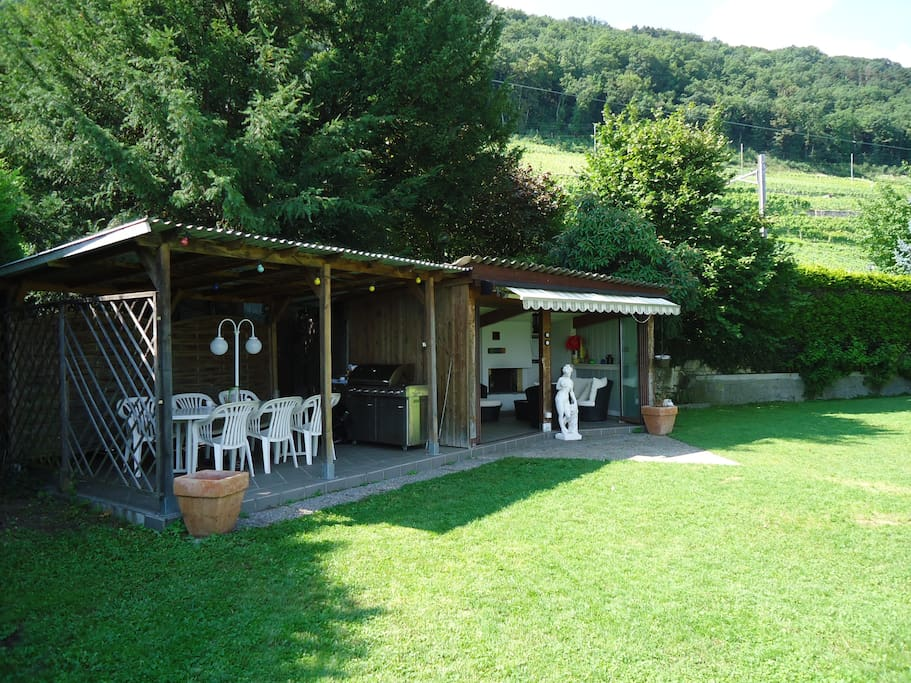 Maison de vacances au bord du lac houses for rent in twann - Le coin du jardin ...