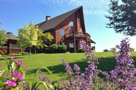 Point Au Roche Bed and Breakfast - Plattsburgh