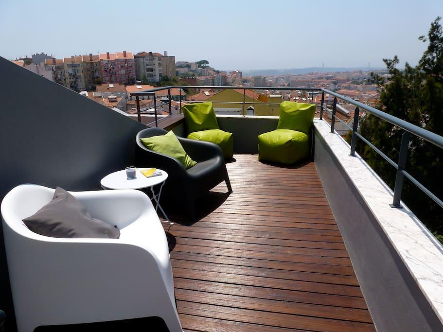magnifique vue et terrasse au soleil t3 lisbon appartements louer lisbonne lisbonne portugal. Black Bedroom Furniture Sets. Home Design Ideas