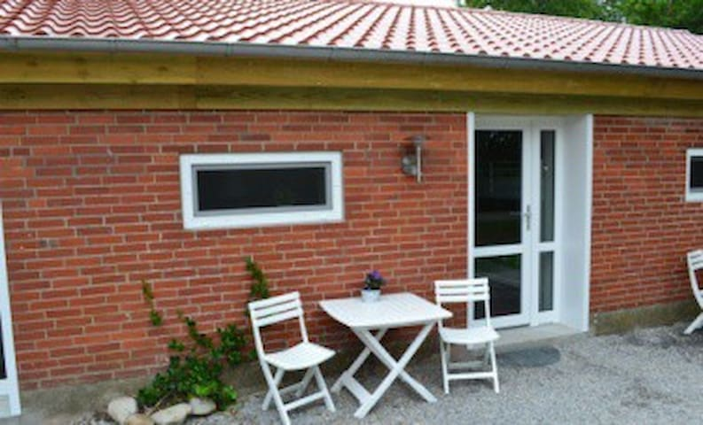 B&B Tistrup - familie værelse - Tistrup - Bed & Breakfast