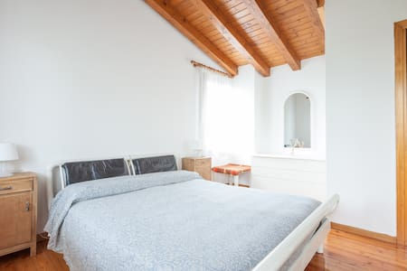 """""""Cal Dea Bora"""" little house in Prosecco hills - San Pietro di Feletto - Wohnung"""