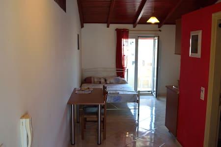 Bike & Room 2 - Iraklio - Apartament