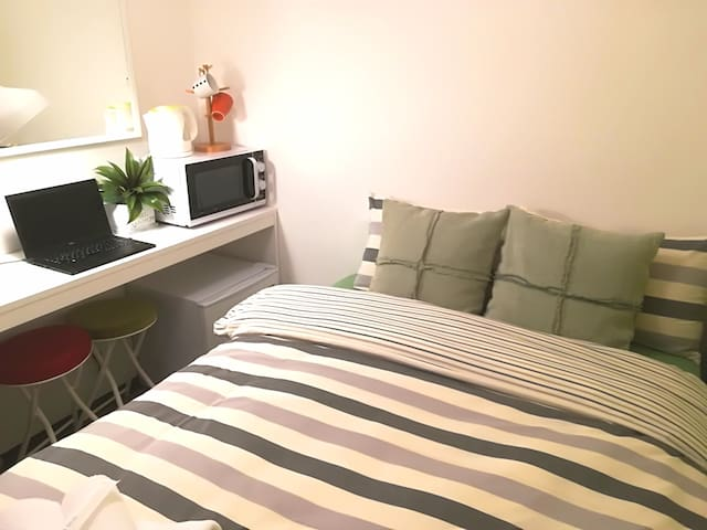 Cozy Apt+10min walk to Downtown Osaka/Umeda#LAOS7