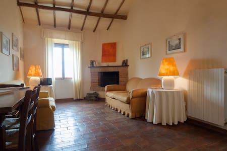Castello di Sismano Casa Verde apt - Avigliano Umbro - Apartment