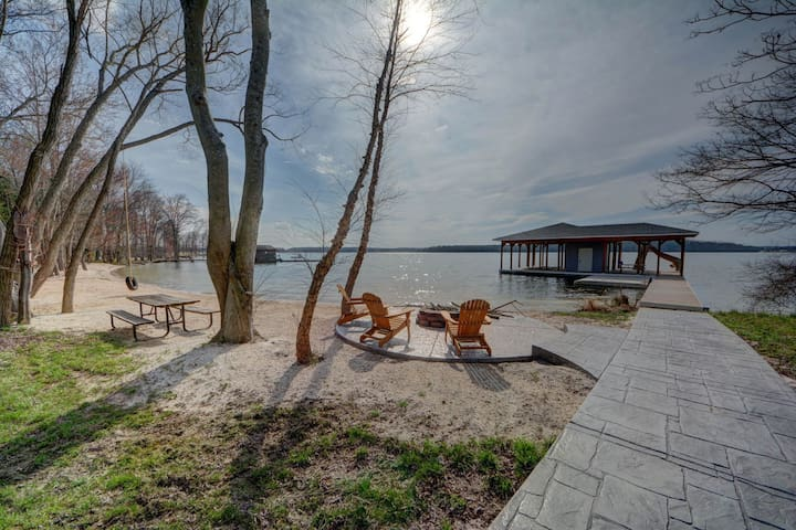 NEW LISTING! Newly constructed waterfront home w/home theater, water slide