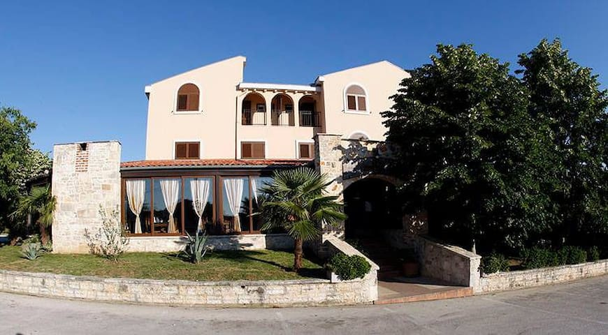 Rooms, Bed and breakfast near Zadar