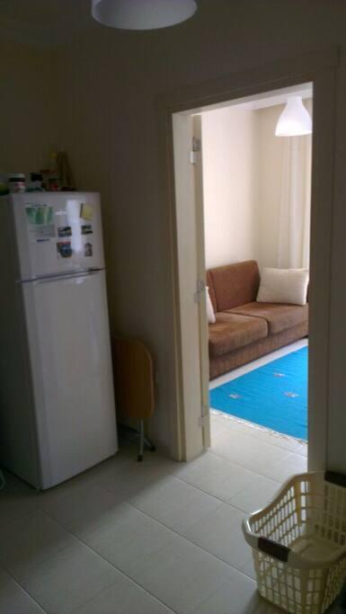 ara hol buzdolabı ve çamaşır makınası burda mevcut