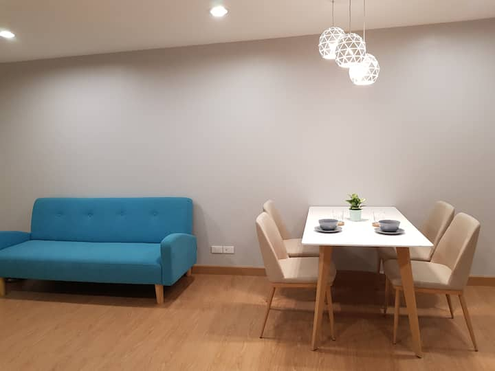 Condo near BTS Ratchatewi, city view, high floor