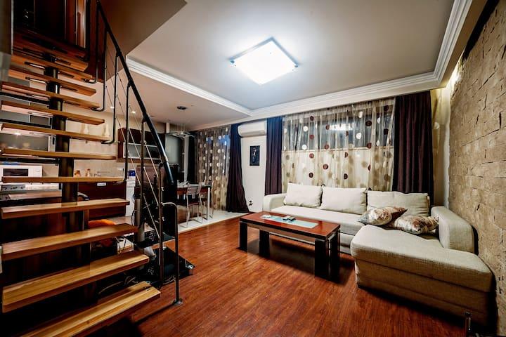 Дерибасовская самый центр, три спальни и студия - Odessa - Wohnung