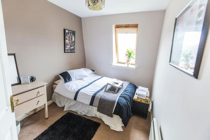 Stockbridge DBL Room B&(Lite)B + Private Bathroom - Stockbridge - Flat