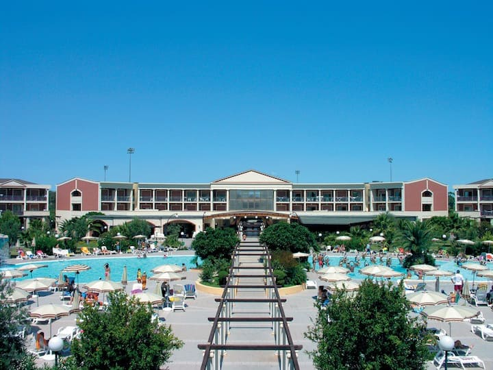 Appartamento in Resort 4* Adiacente Mare