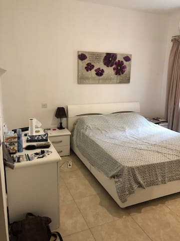 1 Room in Shared Apartment(ideal for longer stays)