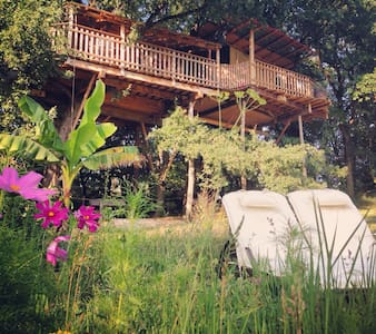 Room type: Entire home/apt Property type: Treehouse Accommodates: 4 Bedrooms: 1 Bathrooms: 1