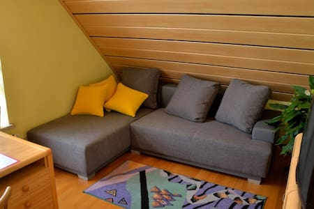 Schöne Dachgeschosswohnung - Redwitz an der Rodach - Haus