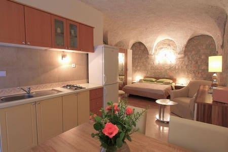 Amalija Apartments @ Lopud - Lopud