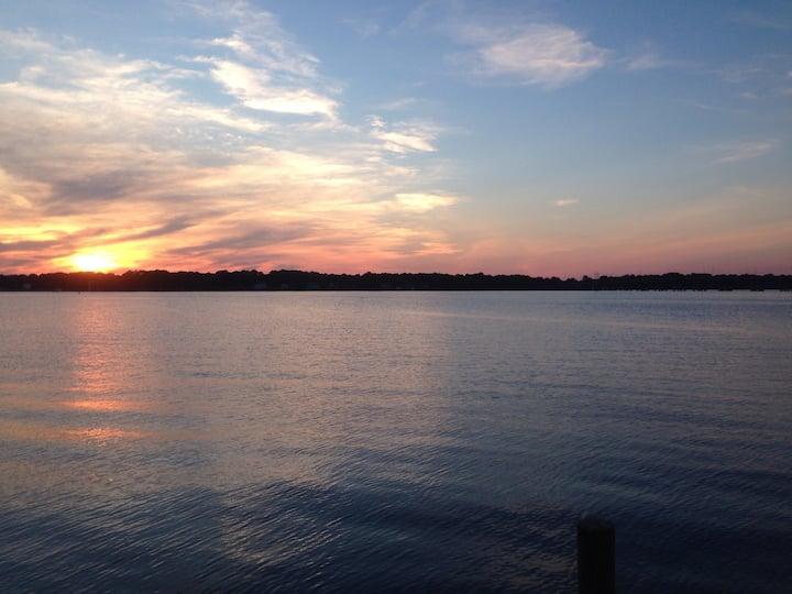 Waterfront home- beautiful sunsets