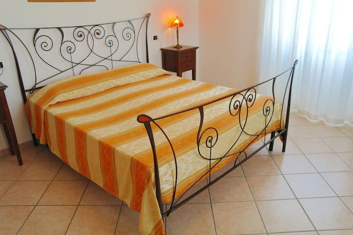 BED & BREAKFAST OLIENA   (DOPPIA) - Oliena - Bed & Breakfast