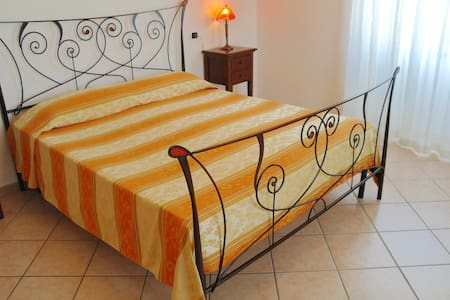 BED & BREAKFAST OLIENA   (DOPPIA) - Oliena