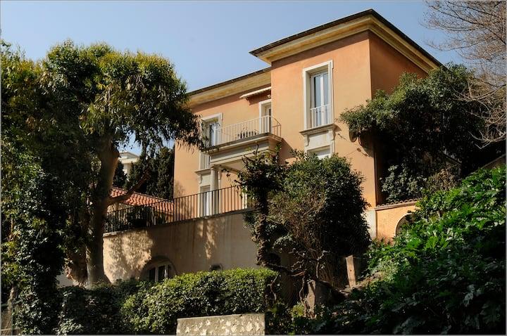 VillaRima1B ,3 bdrSuite, Nice center, terrace,calm