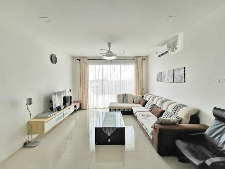 EcoPark Condo, 5mins to airport, malls & eatery