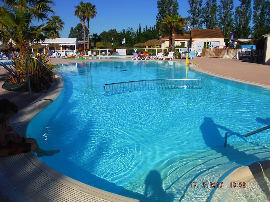 3 piscines