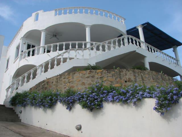 Stunning Villa Mexican Country Town - La Peñita de Jaltemba - House