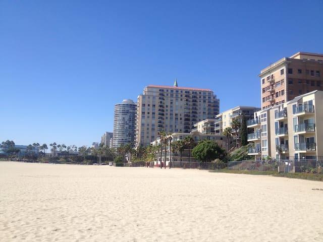 Private Beach Condo on Ocean Blvd - Long Beach - Leilighet