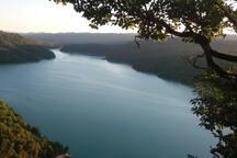 Proximite du lac, vue de la via ferrata