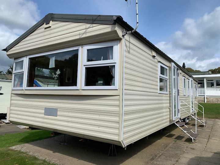 3 Bedroom Caravan, CU2, Whitecliff Bay, Bembridge