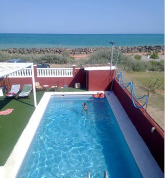 Casa acogedora con piscina y bbq chalets for rent in for Piscina burriana
