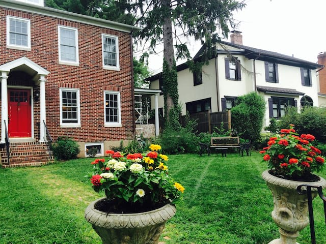 Charming Brick House In Princeton - Princeton - Hus
