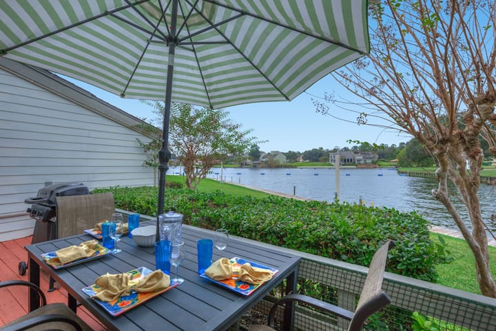 Lake Conroe - Fun Lakefront Condo