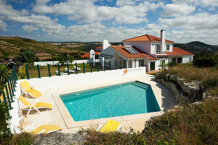 Villa  in Sintra,pool, lovely views - Sintra - Hus