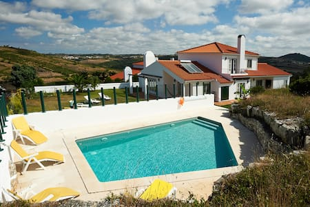 Villa in Sintra, pool, lovely views - Sintra - Huis