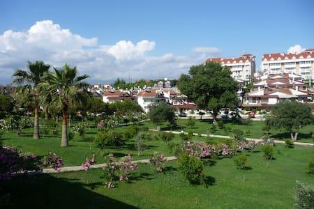 Tatil köyünde dubleks Villa - Gündoğdu-Manavgat