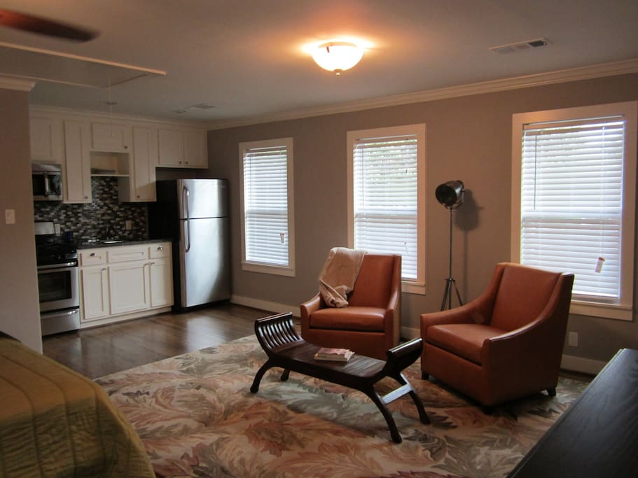 New custom garage apt in the heights for you to enjoy.