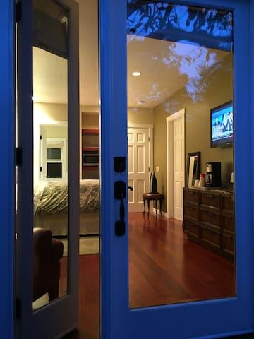 Luxury King Suite with Brazilian hardwood floors throughout