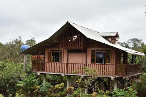 Bonita cabaña de madera en Pita, Caluma