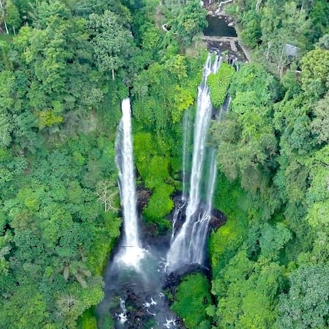 Sugi gede homestay sekumpul waterfall
