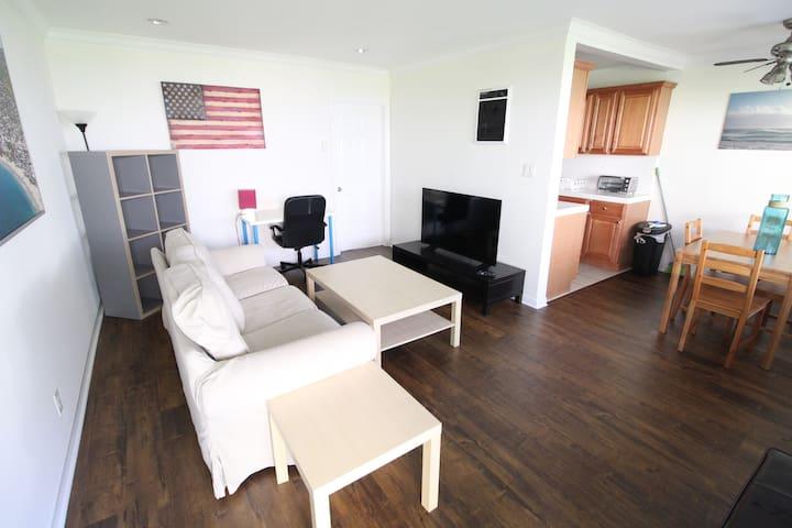 Comfy Apartment 1BD 1BA WestLA Apt