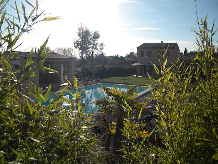 Villa en Luberon proche de gordes piscine et SPA