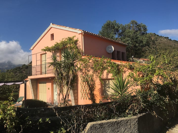 Belle maison Corse à la montagne et près de la mer