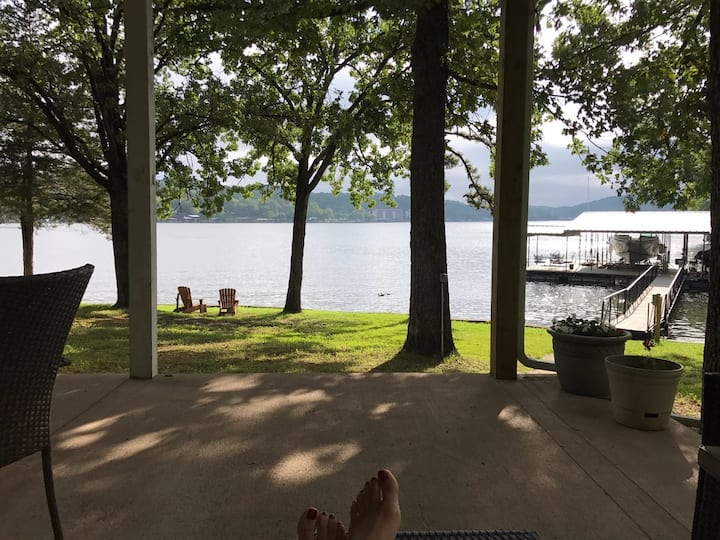 *Lakefront Family Fun/Quiet Getaway-Private Inlet*
