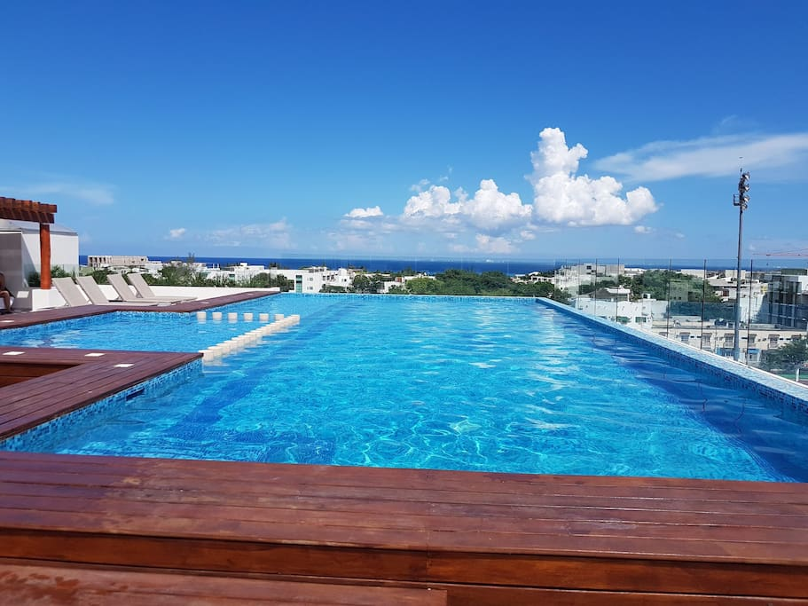 Magnifiecent top roof swimming pool