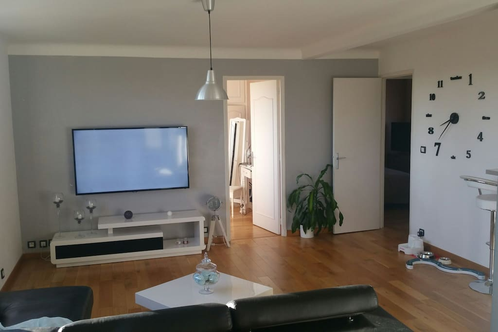 Chambre double centre ville avec parking gratuit for Rent a car salon de provence