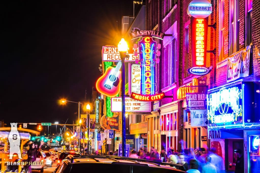 All the Sights and Sounds that make Nashville Famous are just a mile away from the house!   A quick 5 minute Uber ride will put you right in the middle of the neon lights of Broadway!