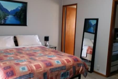 Waddell Studio Apartment 1,  Canowindra - Queen