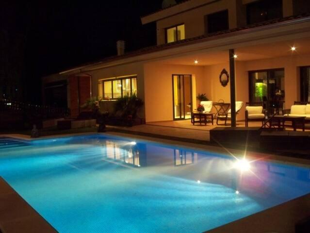 Aircon Villa private pool nr Sitges - Olivella