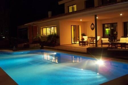 Aircon Villa private pool nr Sitges - Olivella - Villa